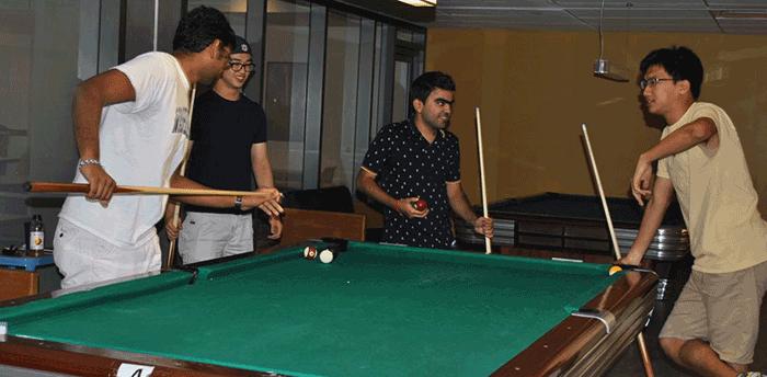 HUB Games: Pool - HUB Basement