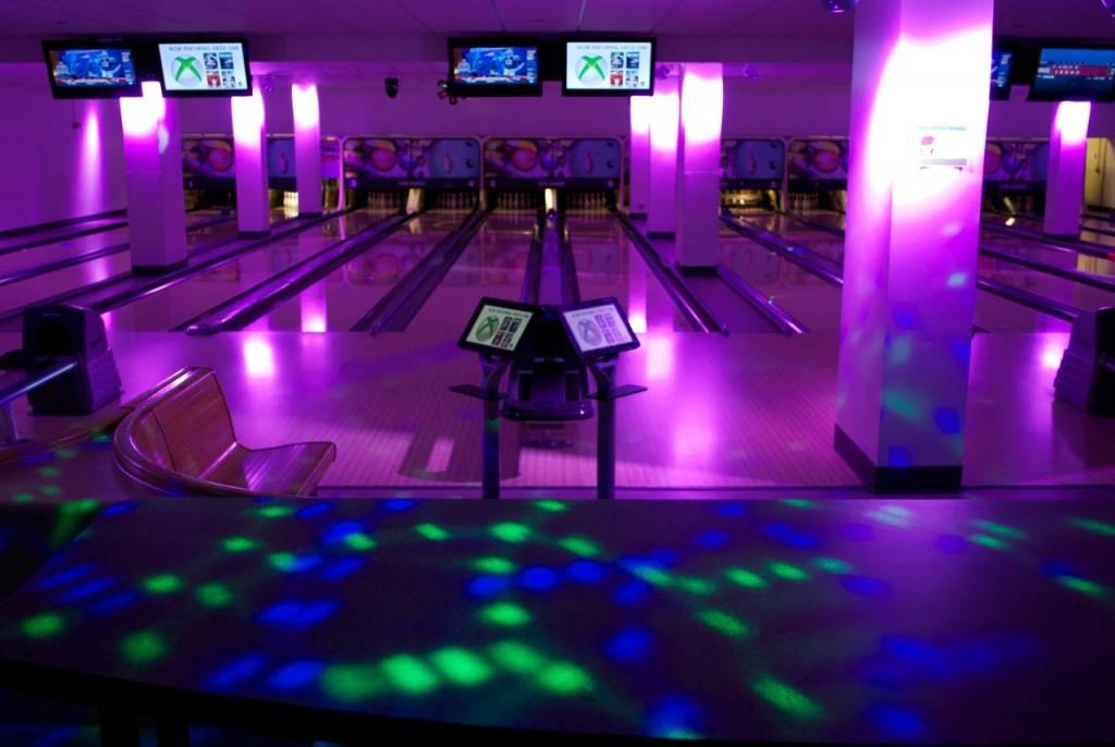 cosmic-bowling-in-HUB