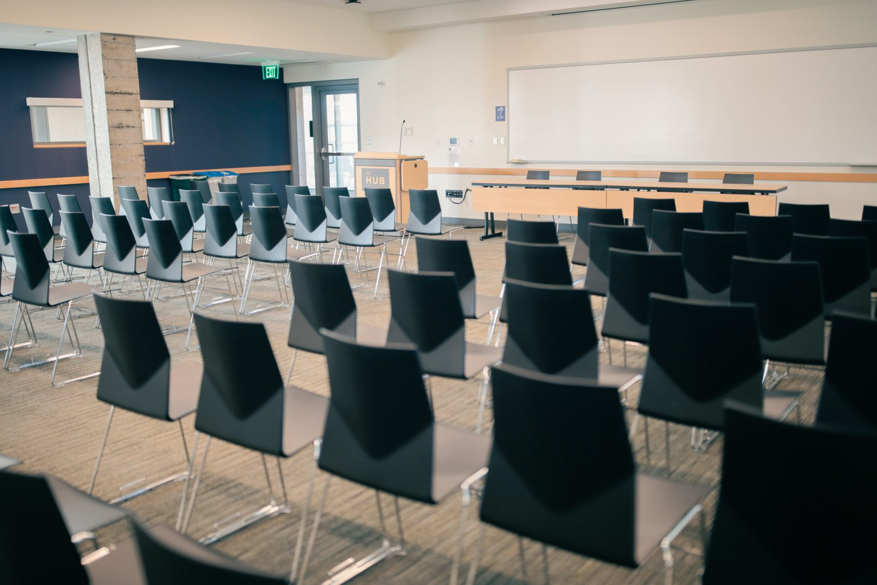 Lecture set with 2 head tables and meeting room lectern.
